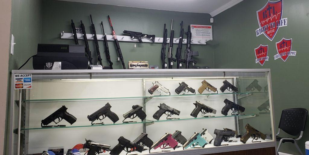 RTL Firearms gun case rifles guns interior view